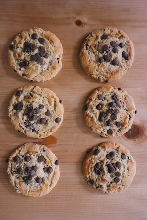 chocolate chip cookie small